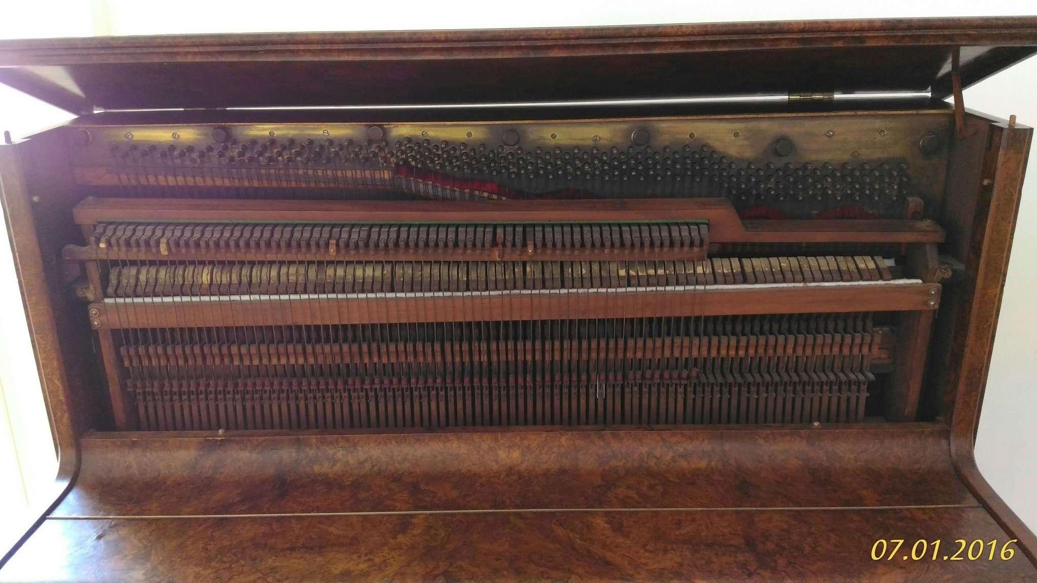 Upright piano Frederick Reogh, 1870 London