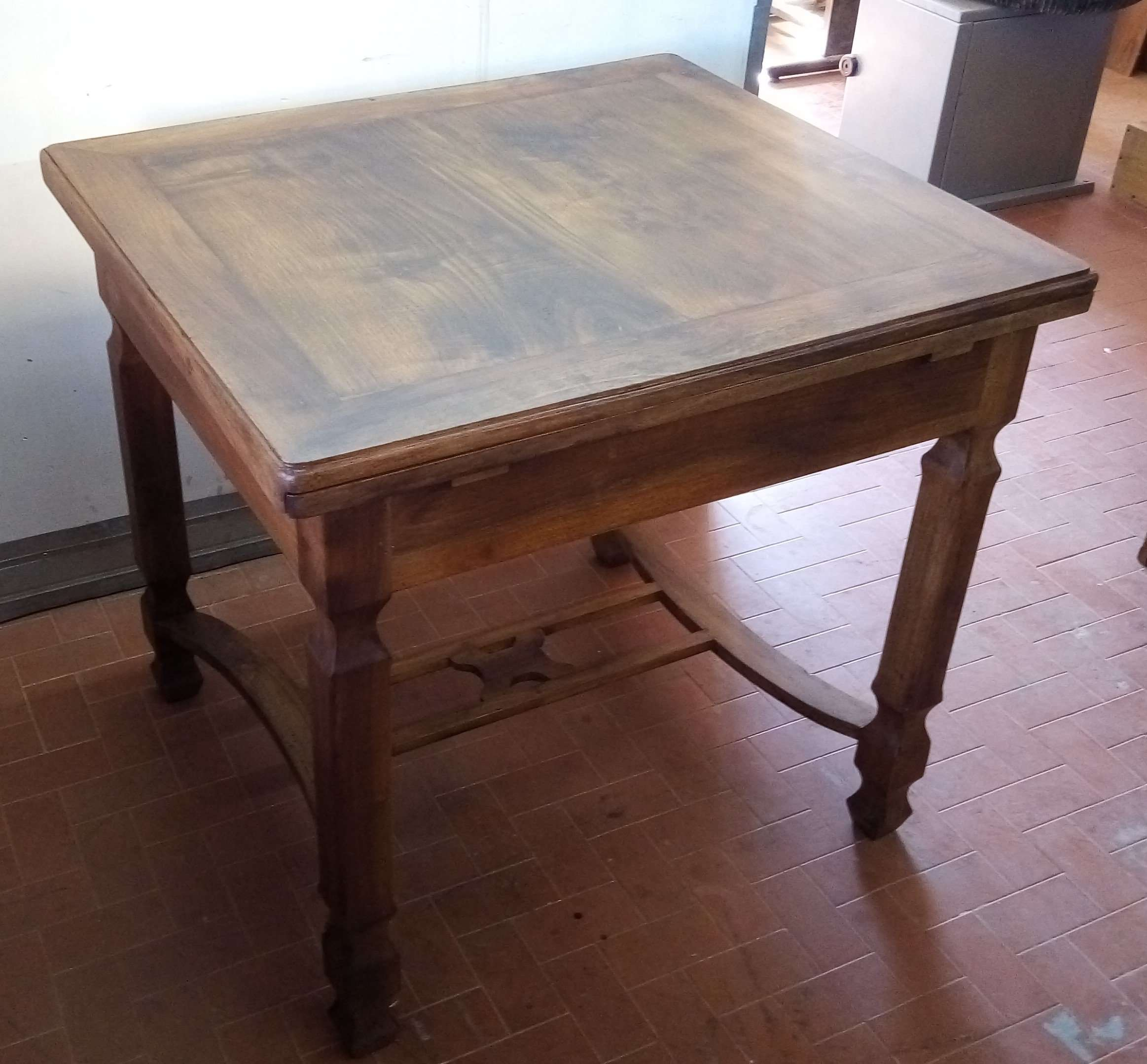 Restyling walnut table reconstruction floor cords extensions chestnut Sant'Arsenio Salerno