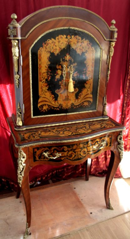 Secretaire table with Louis XIV style reproduction, early 900 reproduction, good quality in very good condition