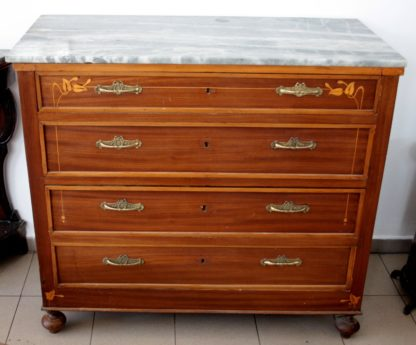 Lyberty inlaid chest of drawers in mahogany, late nineteenth century